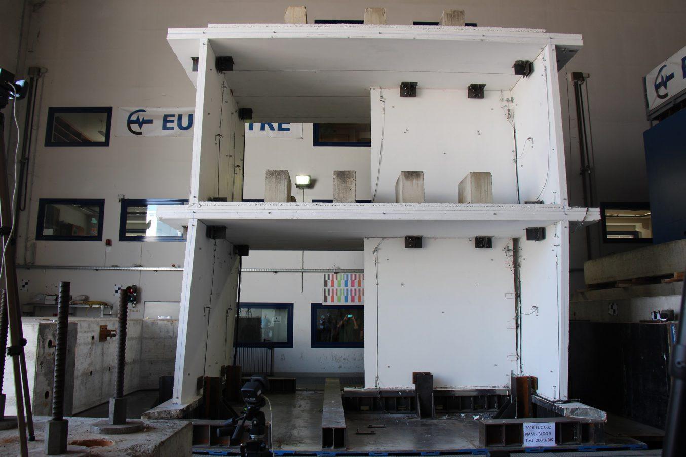 Fondazione Eucentre - European Centre For Training And Research in Earthquake Engineering - Italy - Dipartimento Costruzioni Infrastrutture
